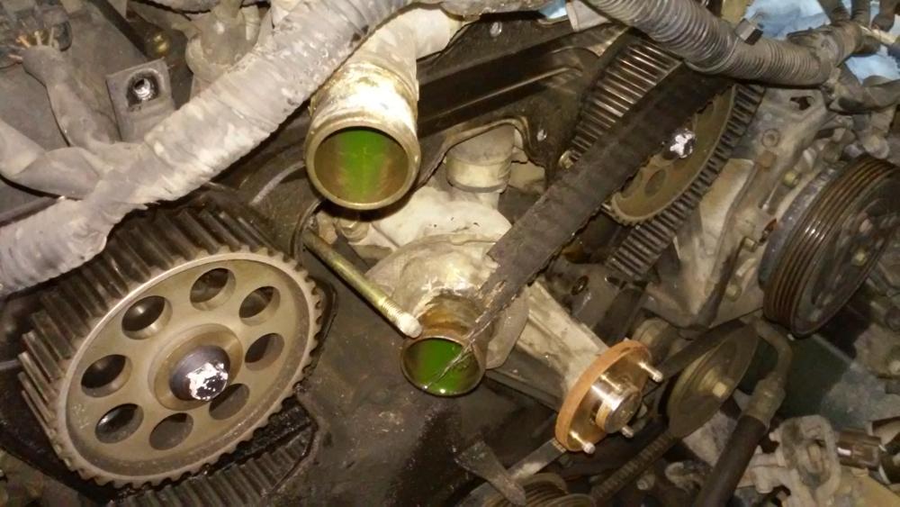 Broken timing belt on a Toyota Rav4